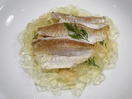 1,春日子鯛のマリネとウドと白インゲン豆のサラダ